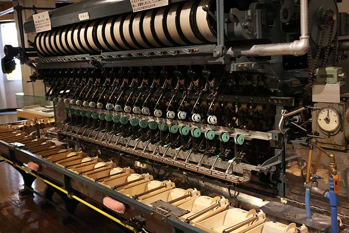 Automatic reeling machines used by Ryusui-sha (part of the machine)